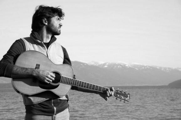 John Craigie Embraces Portland Musical Community For Relaxed Lp No Rain No Rose Interview Glide Magazine