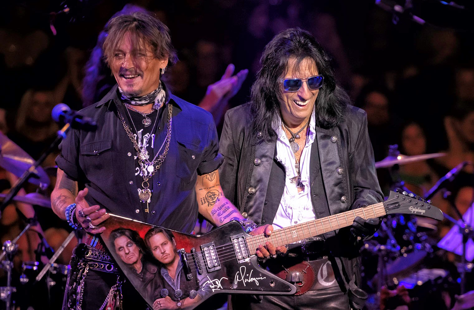 Alice Coopers Christmas Pudding 2020 Alice Cooper's Christmas Pudding Wins Again With Johnny Depp, Rob